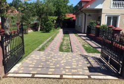 Приватна садиба замощена бруківкою нашого виробництва